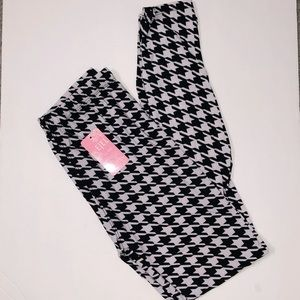 Black and white houndstooth leggings size medium